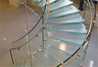 glass_curved_stairs2