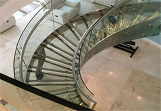 glass_curved_stairs3