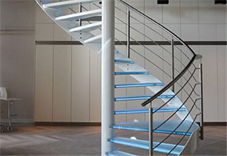 glass_spiral_stairs2